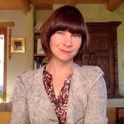 Liz Neely headshot, Senior Director of Integrated Content at AAM