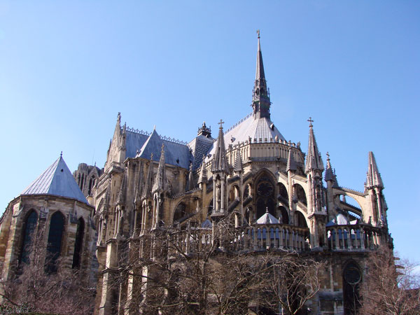 Image of a gothic cathedral in Reims, France
