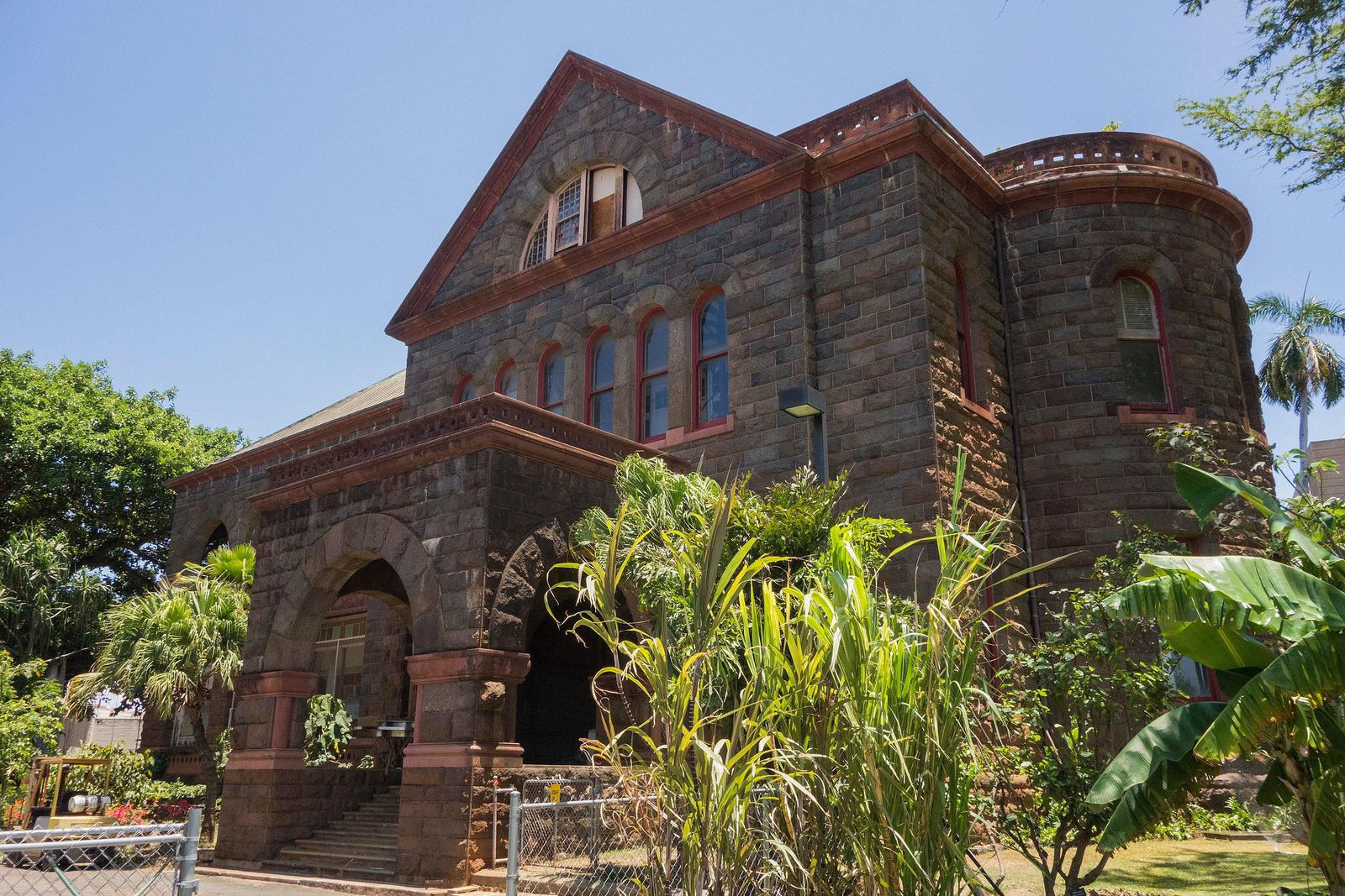 Exterior of Bernice Pauahi Bishop Museum in Honolulu