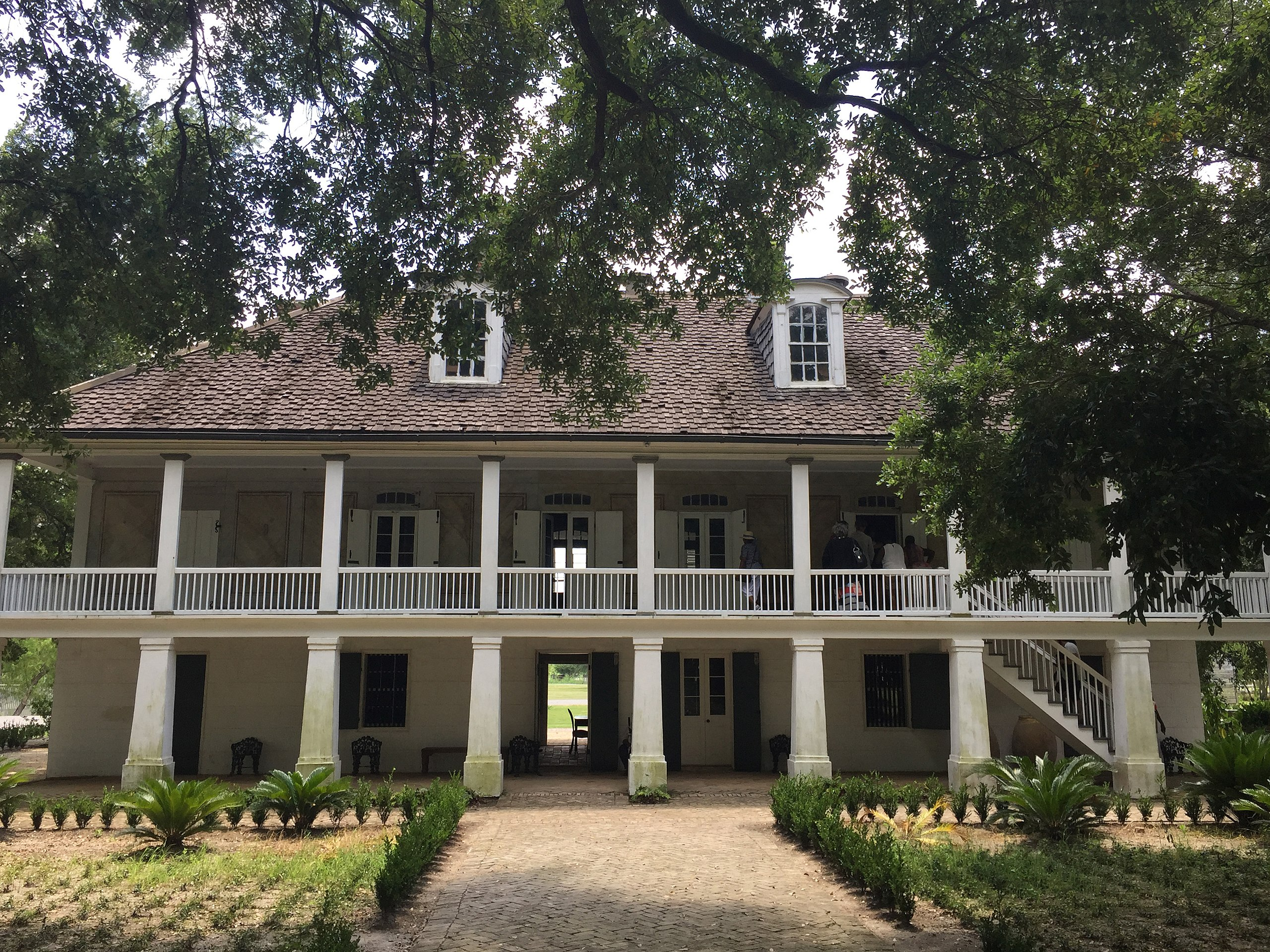 The Whitney Plantation Historic District is on the National Register of Historic Places. Whitney Plantation is a genuine landmark built by African slaves and their descendants. As a site of memory and consciousness, the Whitney Plantation Museum is meant to pay homage to all slaves on the plantation itself and to all of those who lived elsewhere in the US South. Photo by Bill Leiser. Source: Wikimedia Commons.