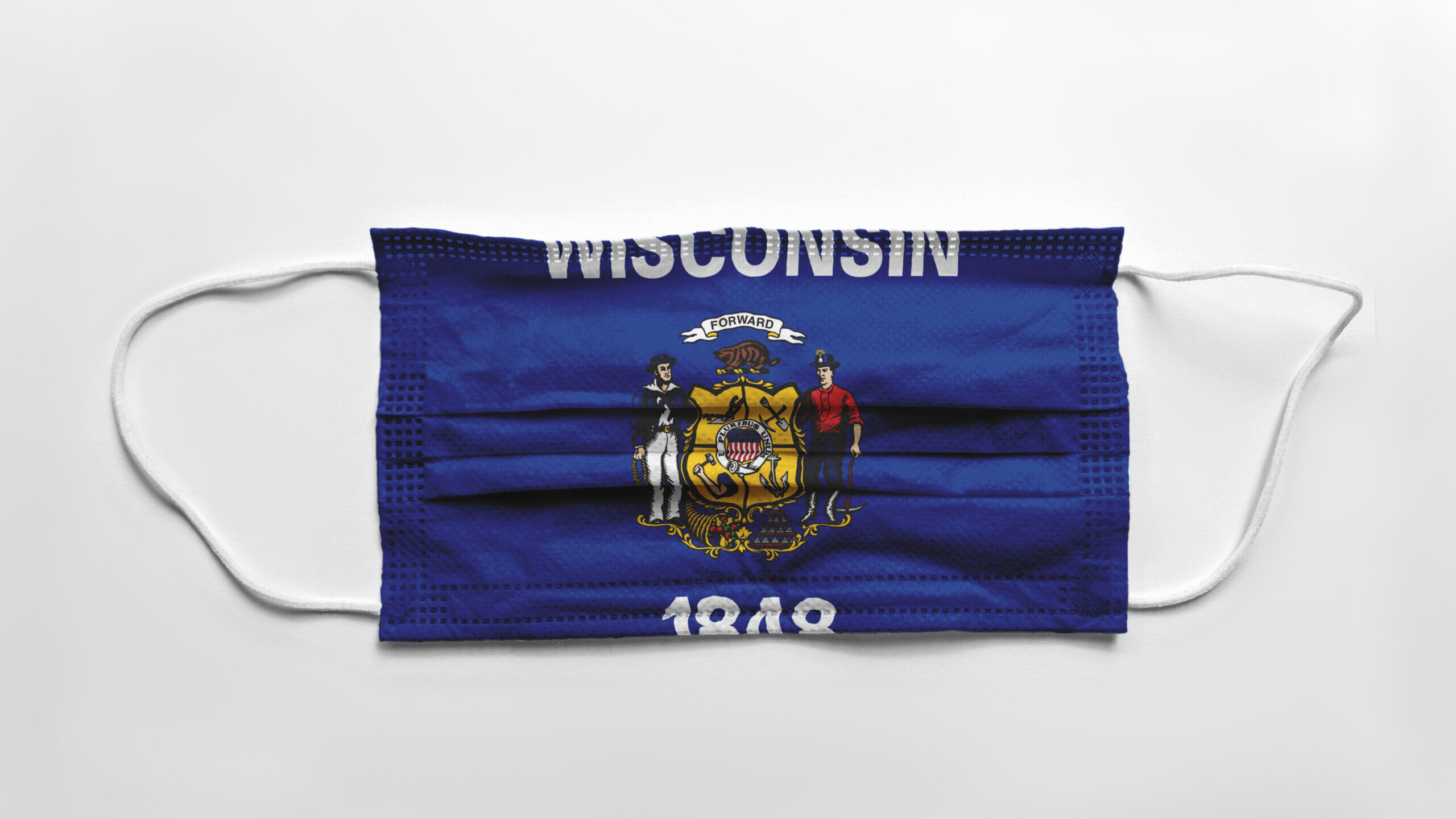 A surgical mask printed with the Wisconsin flag