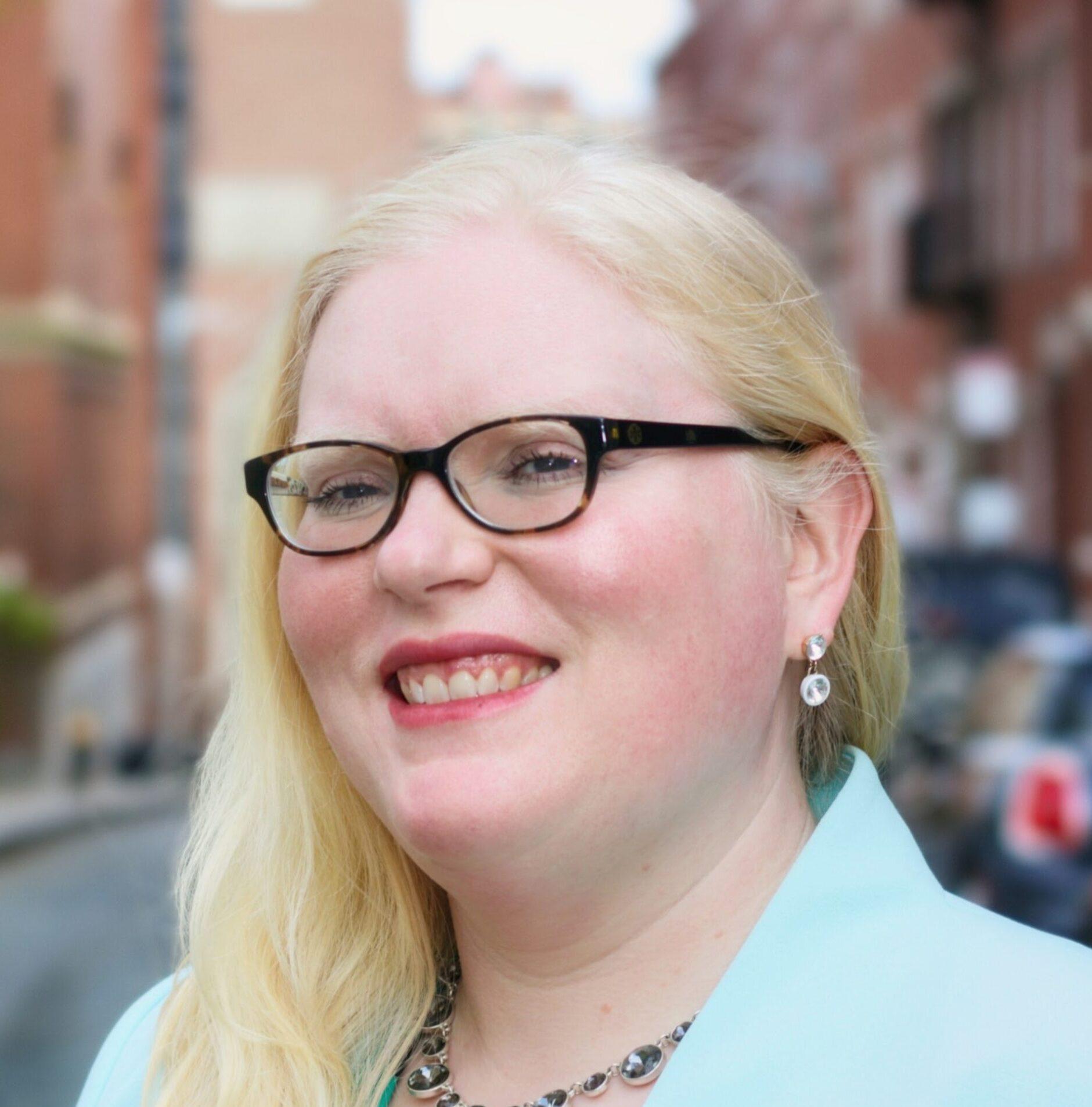 Headshot of Nikki Stewart
