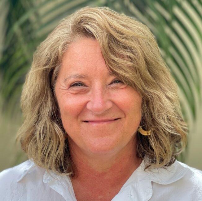 Headshot of Margaret Murray